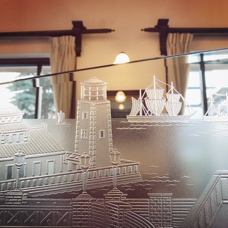 test ツイッターメディア - M/横浜はフレンチマリンがとっても似合う! クラシックな建物もたくさん残っていてお茶したいステキなお店も多く、またゆっくり行きたいなぁ。 先ほどの写真は馬車道十番館でした。お土産のお菓子もトリコロールなパッケージでかわいい🇫🇷 https://t.co/TYfvPpy2LF