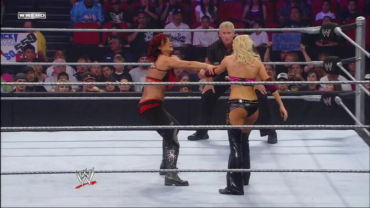 RT @WWENetwork: ON THIS DAY: @TheBarbieBlank took on @REALLiSAMARiE in 2008! #ECW https://t.co/qpaezxxMGX https://t.co/HoTQxMvOyJ