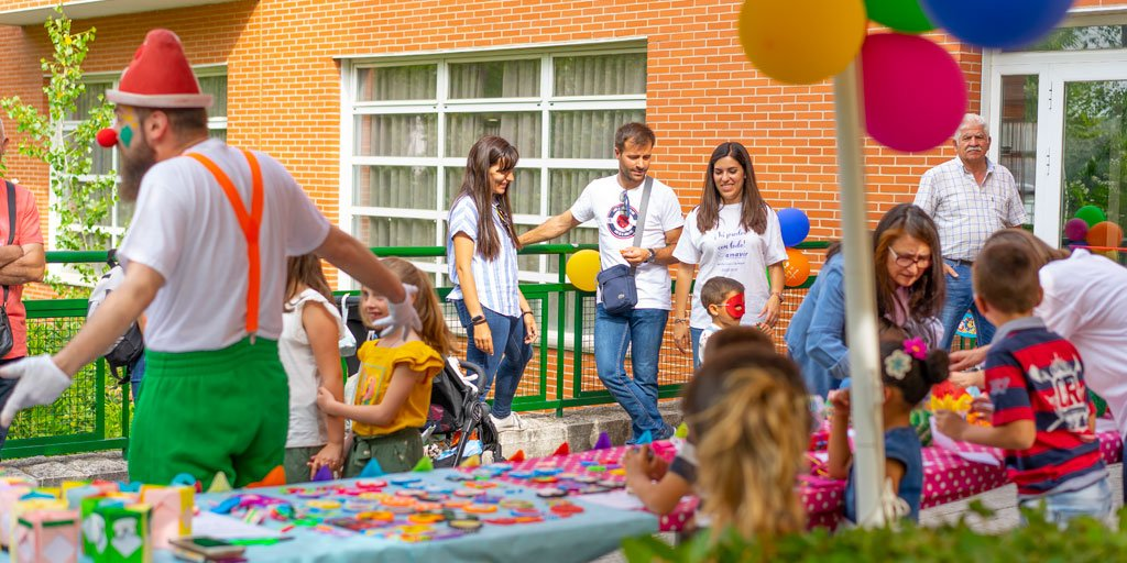 test Twitter Media - 📣La residencia de #PersonasMayores @GrupoAmavir Alcalá organiza un mercadillo solidario intergeneracional en favor de niños con dificultades económicas, con CEIP Ernest Hemingway y  Colectivo de Acción para el Juego y la Educación @colectivocaje 👏  https://t.co/wI19M3JcWq https://t.co/fUAI7ciGGz