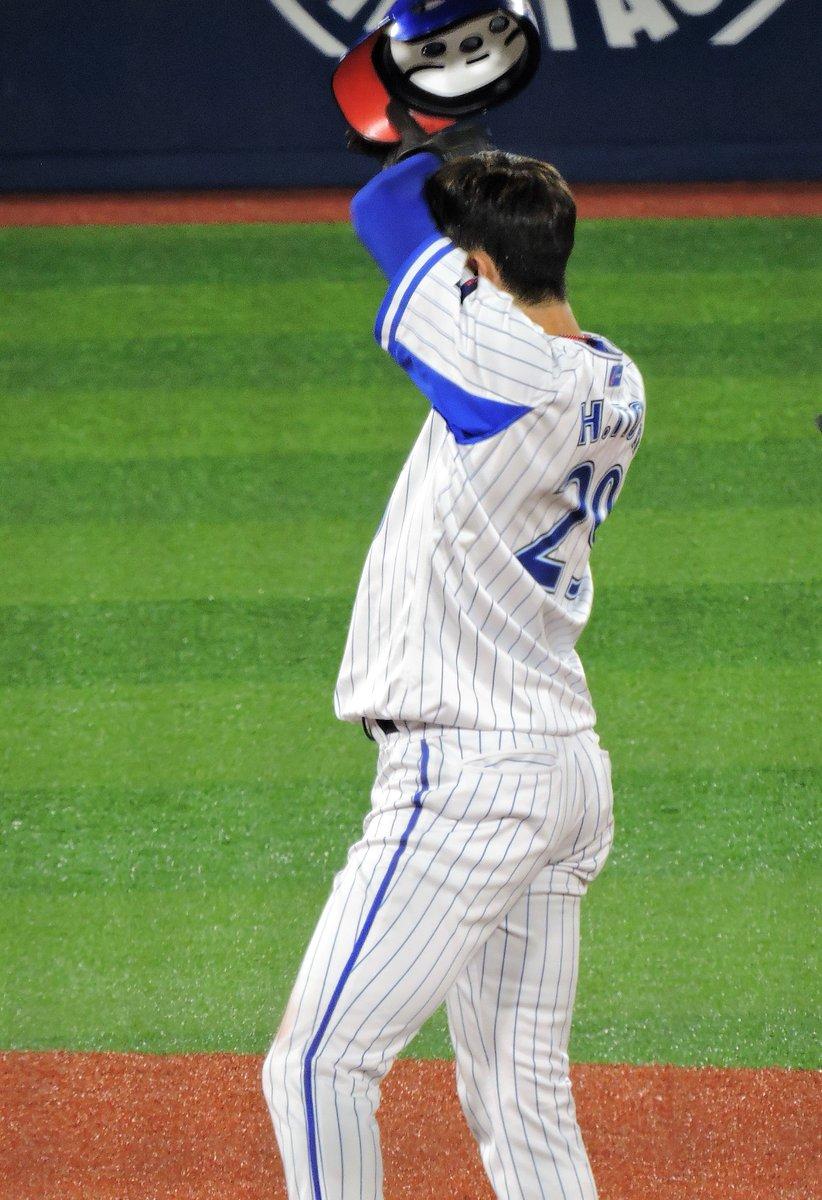 test ツイッターメディア - 2019年6月20日 横浜スタジアム 伊藤光 その19  下半身がなんか厚みが出た気がする。 それにしても汗を拭う姿がほんとにセクシーなのよね、ひかるさんは。 ちーちゃんとはまた違った種類だとは思う。 https://t.co/q3tx1H3crg