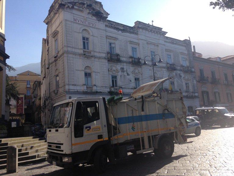 test Twitter Media - #PoliticaLavoro #Castellammare - Caos rifiuti, lo stop al conferimento prolungato fino al 26 giugno LEGGI LA NEWS: https://t.co/5PGf7tWdFc https://t.co/9fEors6bp2