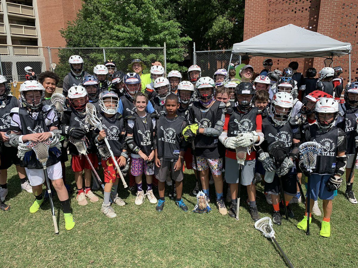 D2 cheezing up during our many water breaks today! #whereiswaldo #findyourson #lacrossecampisfun #waterbreaks https://t.co/Ax8QyvOTXW