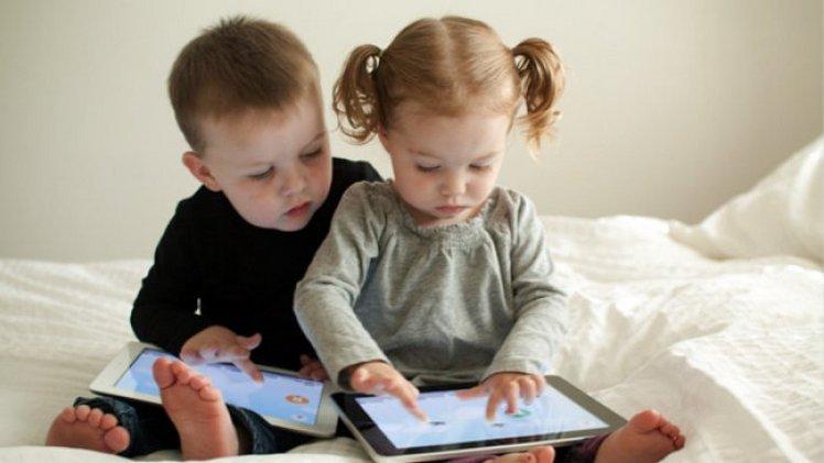 RT @malangvoice: Cegah Anak Kecanduan Gadget, Orang Tua Baca Tips Ini - https://t.co/UKbzMeCmgd https://t.co/apXth7nSzY
