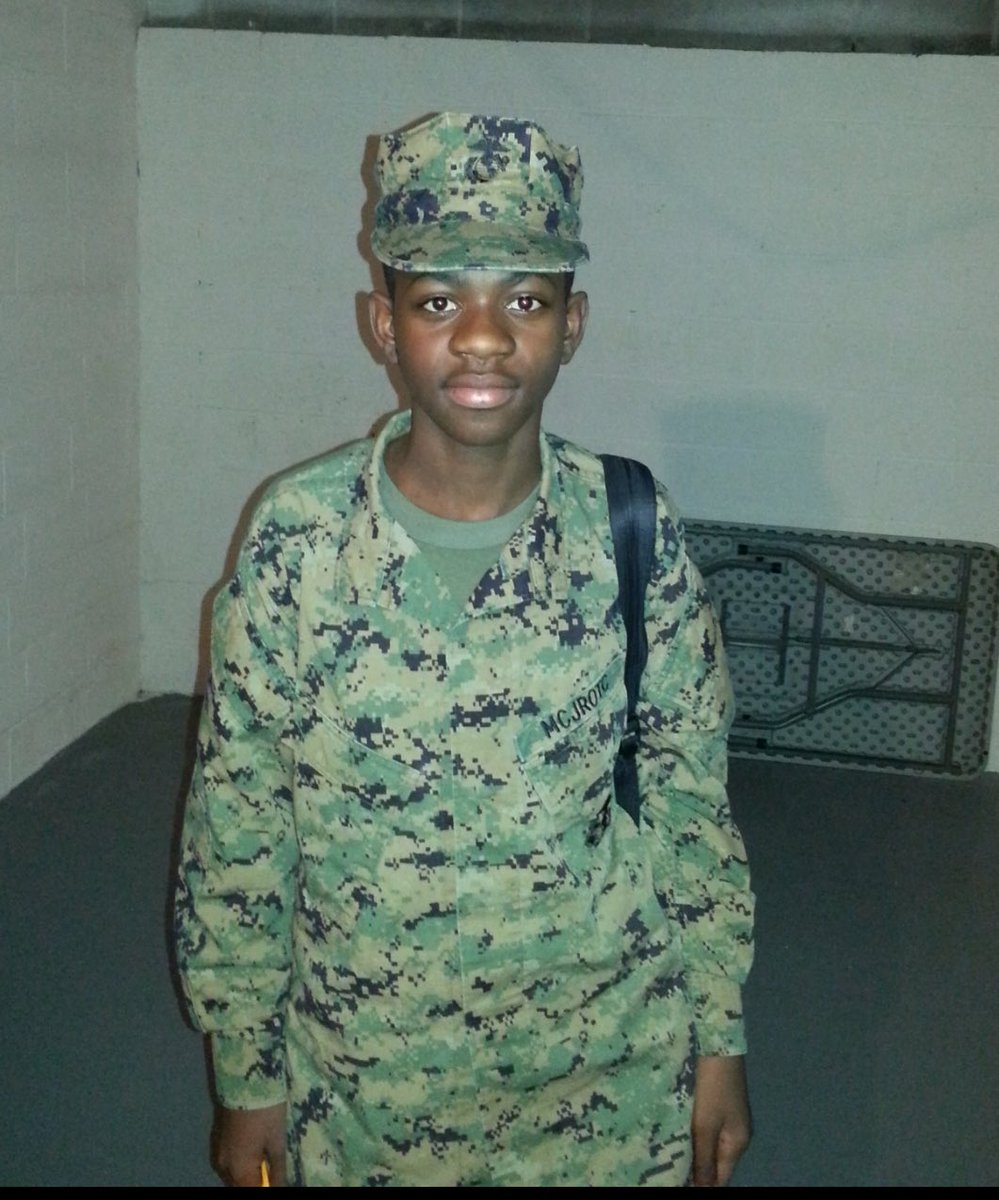 RT @LilNasX: a naked girl can get hundreds of likes how man likes for our troops https://t.co/HS0v4qfsqL