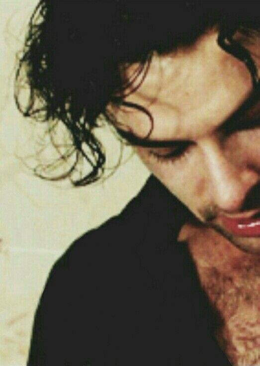 "test Twitter Media - Nighty night, sleep tight, it's beloved vampie man, M-m-m-mMitchell tonight!! Fandom, beware of vampie's offering ""free"" anything!! lol  Sweet, loving AT dreams to y'all!! AT, rest well my yummy, gorgeous man!! #AidanTurner #AidanCrew #MitchellMonday https://t.co/2YAGRX01ZQ"