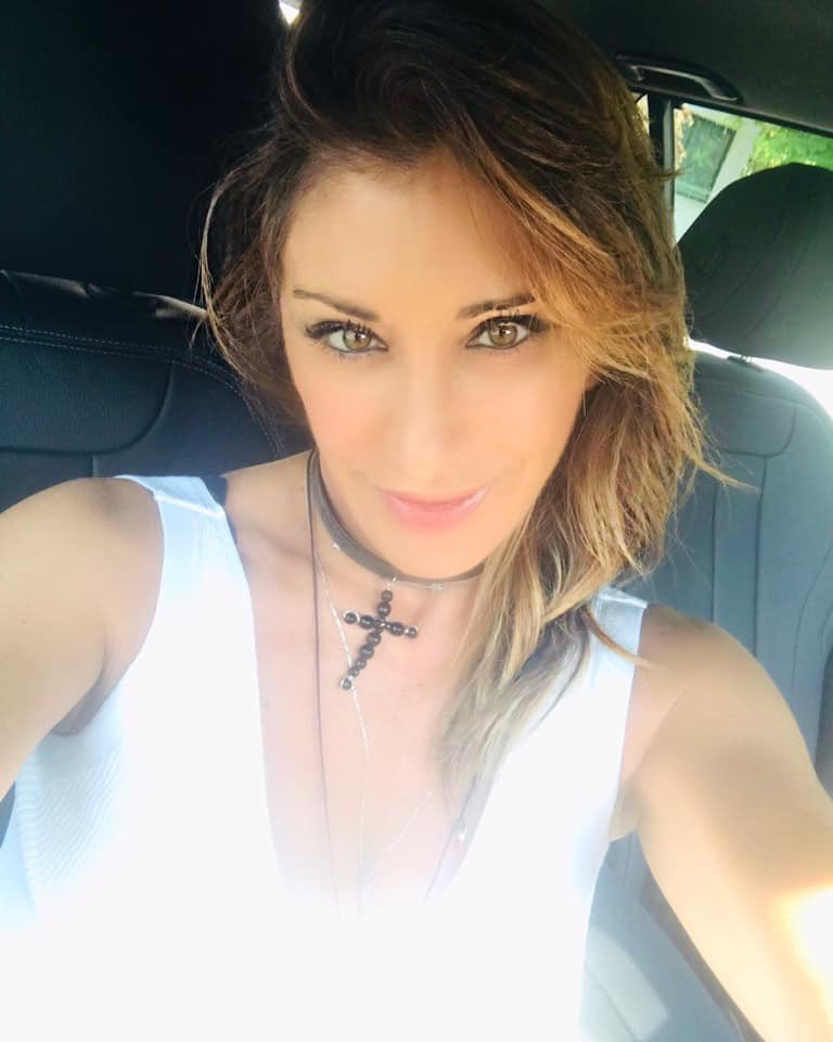 Hot in the city!! Avete già deciso dove andare in vacanza? ???? #summer2019 #estate2019 #sabrina #SabrinaSalerno https://t.co/yt4ki06qiK
