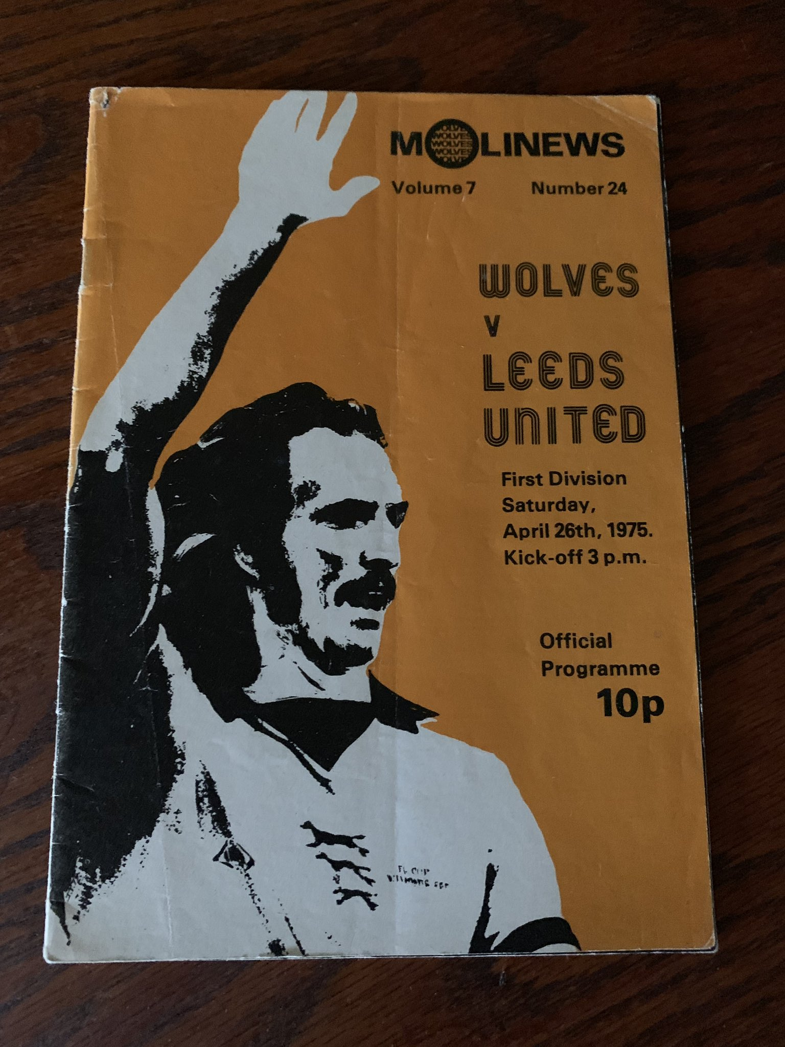 12 Years after the great mans death,I just found the programme from his last appearance in The Old Gold And Black #wwfc #thedoog https://t.co/Rd5fckKIPJ