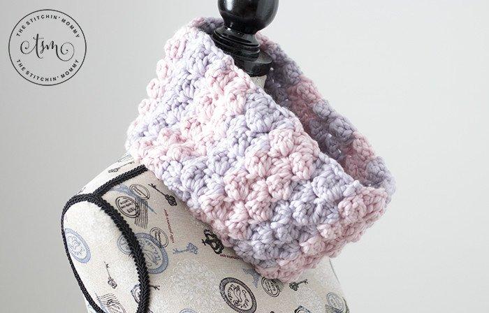 The Lola Cowl - Free Crochet Pattern #ScarfoftheMonthClub2018 https://t.co/3OLBIX2Xtu https://t.co/g0sXxAVhNn