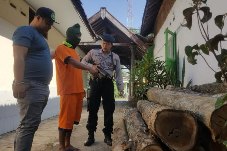 Pencuri Kayu Jati Milik Perhutani Ditangkap Polisi - https://t.co/JQAwhJcXli https://t.co/1yalT44Nw8