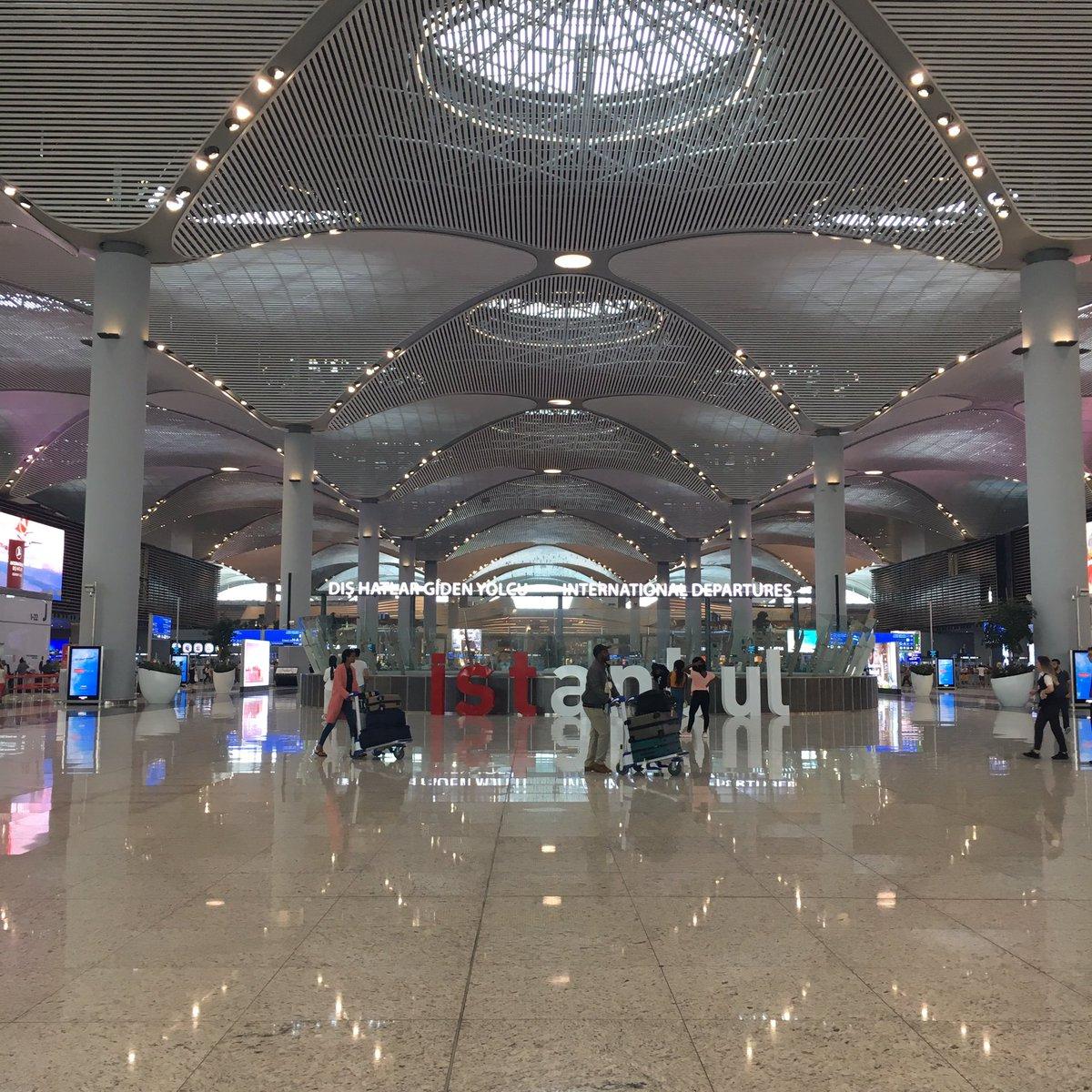test ツイッターメディア - イスタンブール空港✈️。 これから、ドバイ行きに乗ります。 長い帰路がはじまる😅。 トルコリラは、変換レートな良くないから、全部使ってしまおう💸 帰りたくなーーい🤣 でも、ちょっと帰りたい😆 https://t.co/Gbx53K2IZE