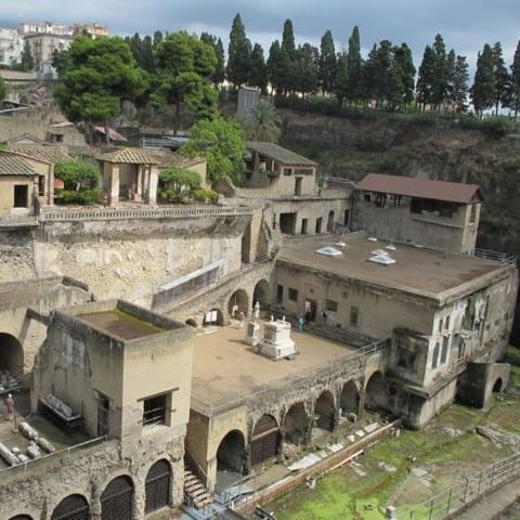 test Twitter Media - 🌋In AD 79 volcano #Vesuvius, buried #Pompeii and #Ercolano, Naples.  Learn more at the lecture by #FrancescoSirano, director of the #ArchaeologicalParkHerculaneum, discussing the past, present, and future of the site! 👒🎒 Jun 27 7:30 pm at #GettyVilla 👉https://t.co/En94ofYAHn https://t.co/tDhALLGq9q