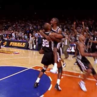 The Final Shot Celebration | 1999 Championship 20th Anniversary https://t.co/npgZ4rIUur https://t.co/RiWOW2ydOW
