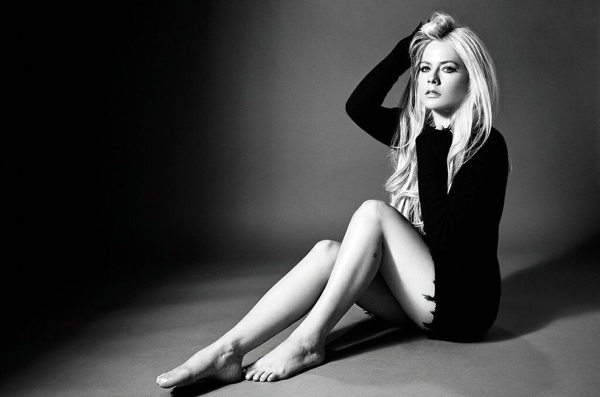 RT @billboard: Avril Lavigne announced her first North American tour in 5 years https://t.co/CninP2MTEC https://t.co/eNBxu0lwvU