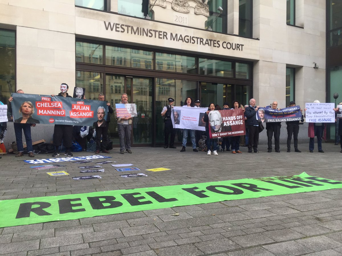 Assange's extradition hearing is now at 11 am in court 3 at Westminster Magistrates Court. https://t.co/QXMb8YLL3S