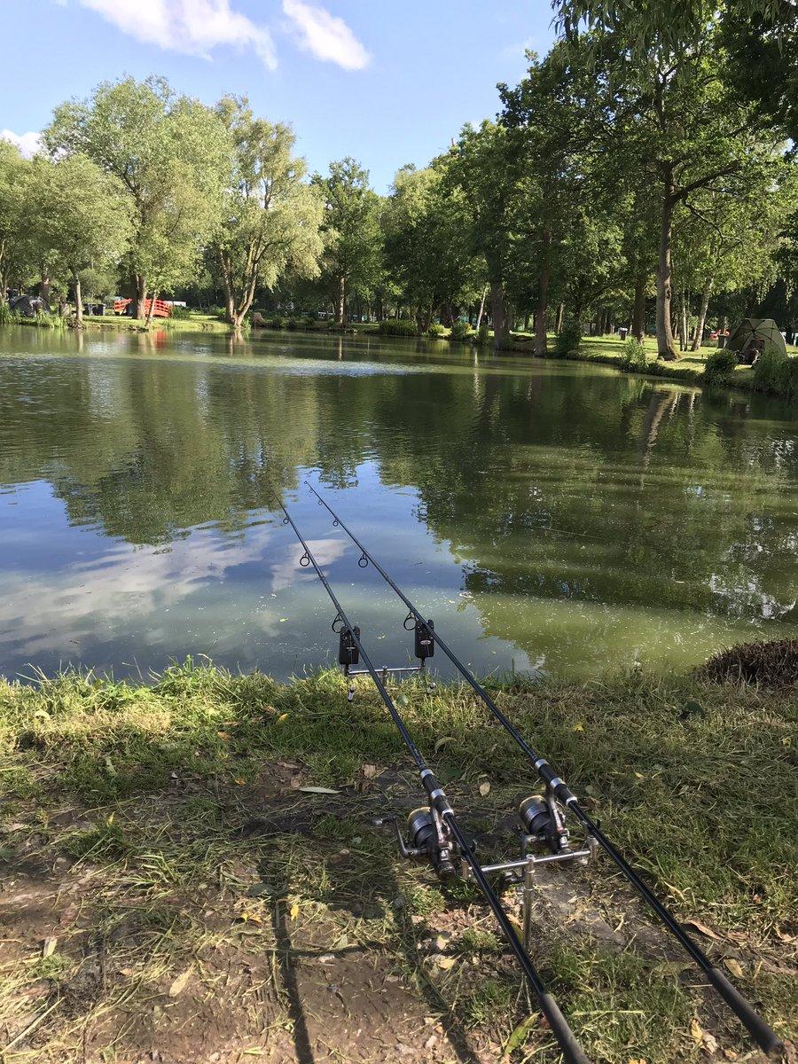 Traps set now just want to hear them <b>Rods</b> scream #fishing #carpfishing https://t.co/qQqo2bpAj