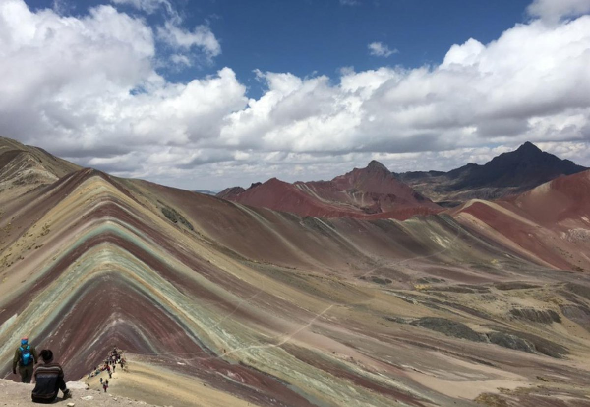 Gorgeous view of the Rainbow Mountain, Perú.. ????  Anybody visited before??  https://t.co/IbcaM5uPdO https://t.co/tA9nxR3zvW