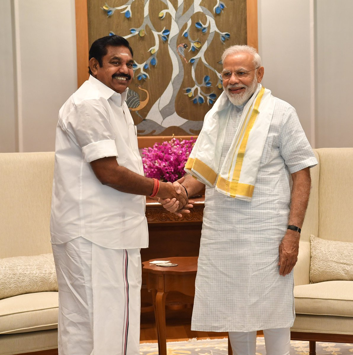 Shri Edappadi Palaniswami, Tamil Nadu Chief Minister met PM @narendramodi. @CMOTamilNadu https://t.co/RqGG3h81lH