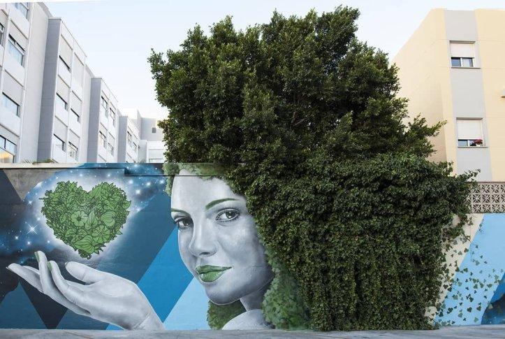 ... like green hair... green heart. Art by Sfhir in Malaga, Spain #StreetArt #Art #Hair #Heart #Graffiti #Mural #UrbanArt #Malaga https://t.co/rkcsR82ltM