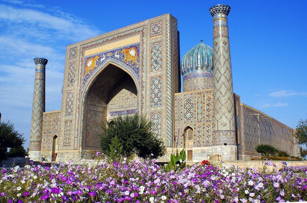 test ツイッターメディア - シルクロードの宝石💎と称される国 #ウズベキスタン へ✈ エキゾチックな町の魅力と美しいイスラム建築🕌 青の都 #サマルカンド や首都 #タシケント、古都 #ブハラ や #ヒヴァ などウズベキスタンは見所満載✨悠久のシルクロードへ旅してみませんか❓ もっと詳しい情報は ➡https://t.co/TMsdhhQwYt https://t.co/sIdULX83CM