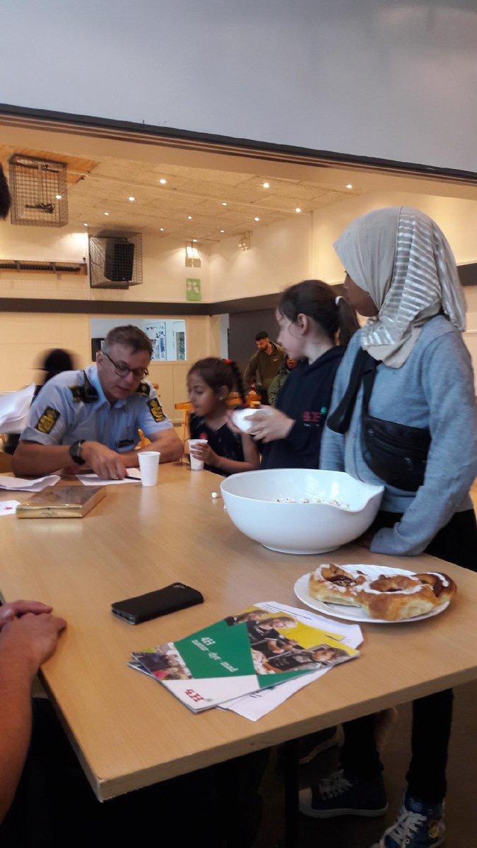 Lokalpolitiet i Slagelse er i dag med til kulturdag i Ringparken. #politidk https://t.co/oogDeeD8zP
