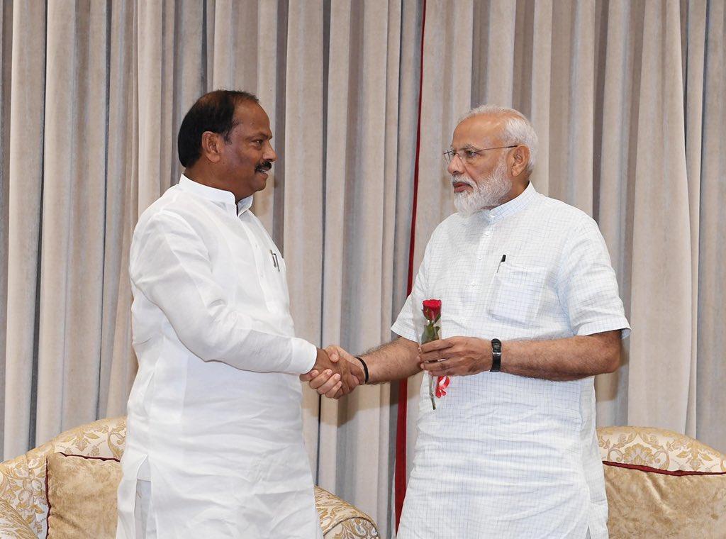 Shri @dasraghubar, the CM of Jharkhand called on PM @narendramodi. @cmojhr https://t.co/fGlxuKcbRq