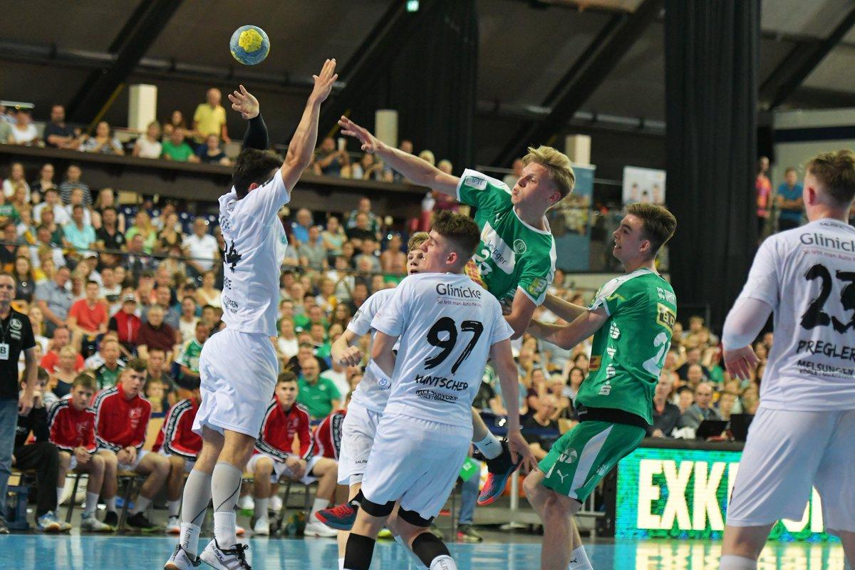 Die U17 des SC DHfK Handball ist Deutscher VIZEMEISTER! 🥈 Getragen von 1393 Fans schaffen unsere Jungs nach einem 11:18-Rückstand  eine furiose Aufholjagd! Am Ende ist es beim 28:28 ein einziges Gegentor zu viel für die Verlängerung. Glückwunsch an die mJSG Melsungen zum Titel! https://t.co/PddRc0WMR0