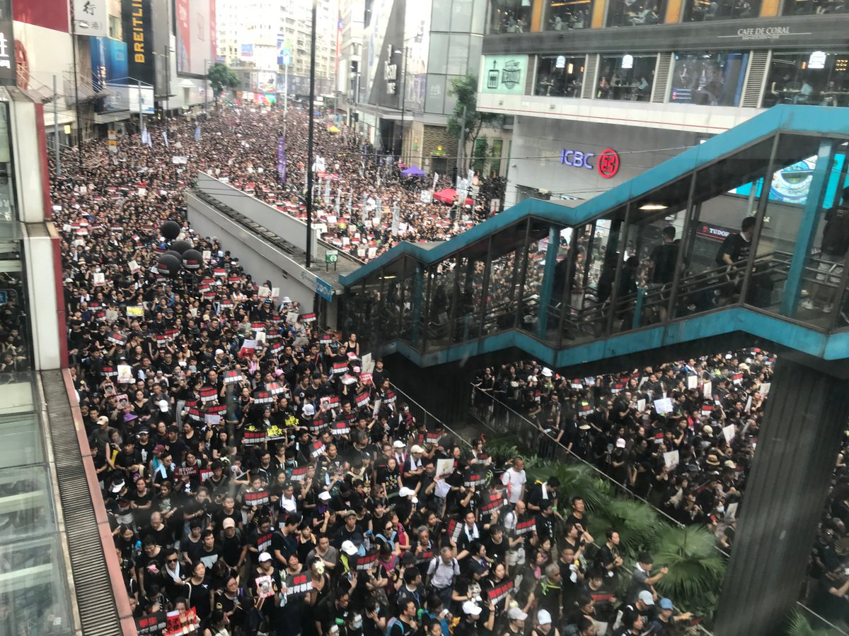 RT @KirstyLNeedham: This Hong Kong march is massive. City streets log jammed with people inching forward https://t.co/69Y7DdQyr5