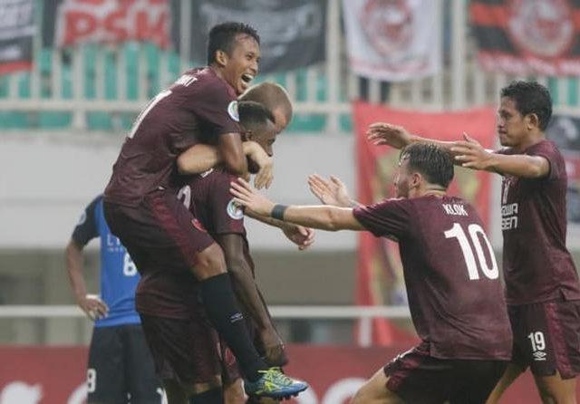 RT @radar_malang: Laga PSM Kontra Arema FC Resmi Ditunda https://t.co/dYFg9FcCii https://t.co/GYOkwhftaD