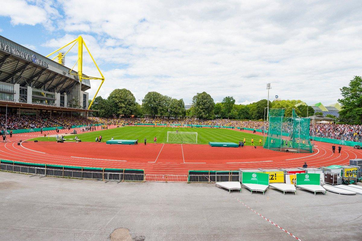 👏 10.000 Zuschauer. Das Stadion Rote Erde ist ausverkauft! https://t.co/V7lEzb4vGs