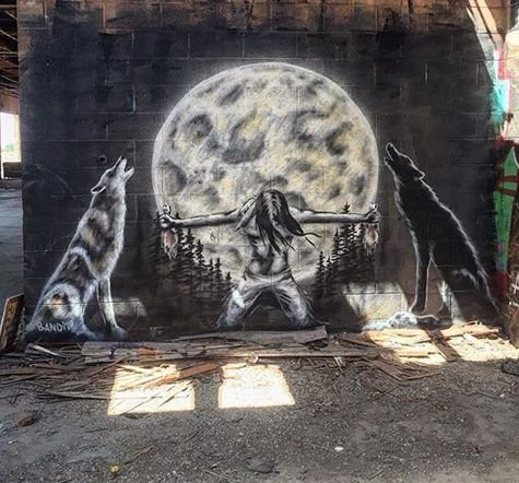 ... like wolfs, moon... and surrendered #StreetArt #Art #Goodnight #Moon #Wolf #Graffiti #mural #urbanArt https://t.co/3hgiPlBCXc