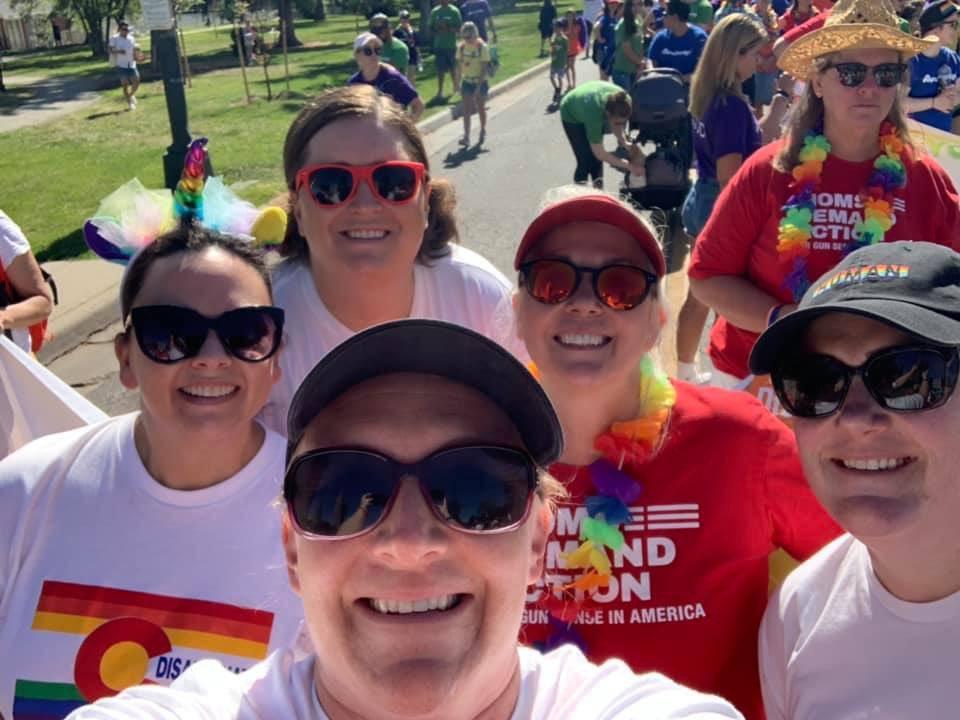 RT @SairaCSU: #MomsDemand Aurora holdin' it down at Denver Pride! #HappyPride 🏳️🌈 #DisarmHate https://t.co/lr8pGaeRUE
