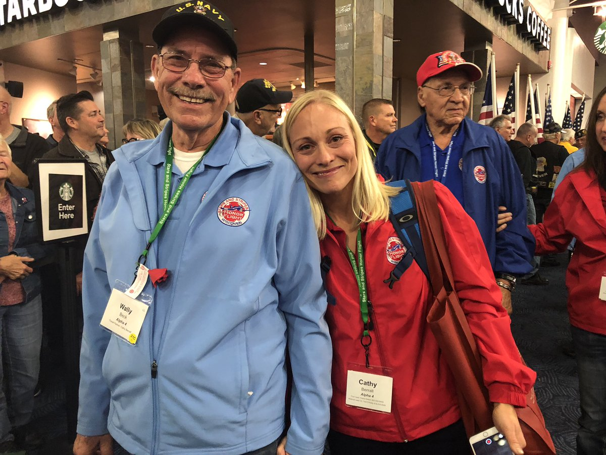 Sharing dad's #honorflight day with him is a priceless experience. #Vietnam #Everydayisabonus #FathersDay https://t.co/83lFW51tQK