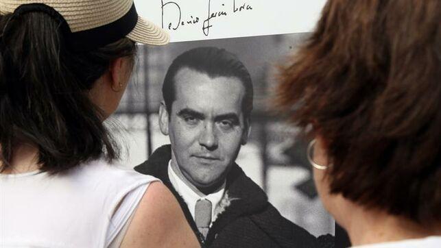 test Twitter Media - Las Obras Completas de #Lorca tienen una nueva edición a cargo de la Biblioteca Castro y bajo la dirección del catedrático A. Soria Olmedo, quien ha recurrido a los testimonios de sus coetáneos para asociar al poeta granadino a la plenitud https://t.co/M3vXsFvP8p @EFE_Andalucia https://t.co/JlvomTdB7J
