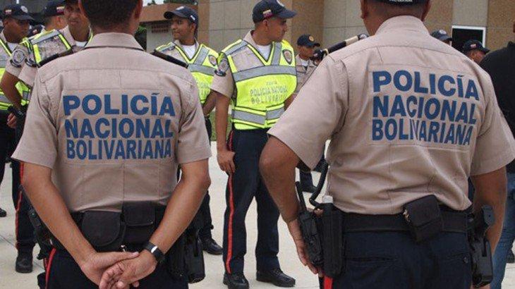 Apresaron a 10 polinacionales que tenían a un secuestrado en Zulia https://t.co/gIqtcxih39 https://t.co/DGYrEqd3Iv