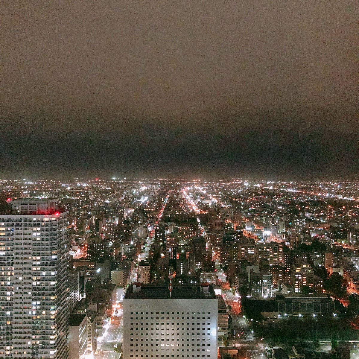 test ツイッターメディア - 連休を取って北海道行ってました◎ 札幌のJRタワーからの夜景  ちなみにこの写真のあと、ふうまくんの写真(カラテンの夜の港のもの)と写真撮って一緒に夜景をみました😍😍(一緒に?) https://t.co/Z45wr0GtDx