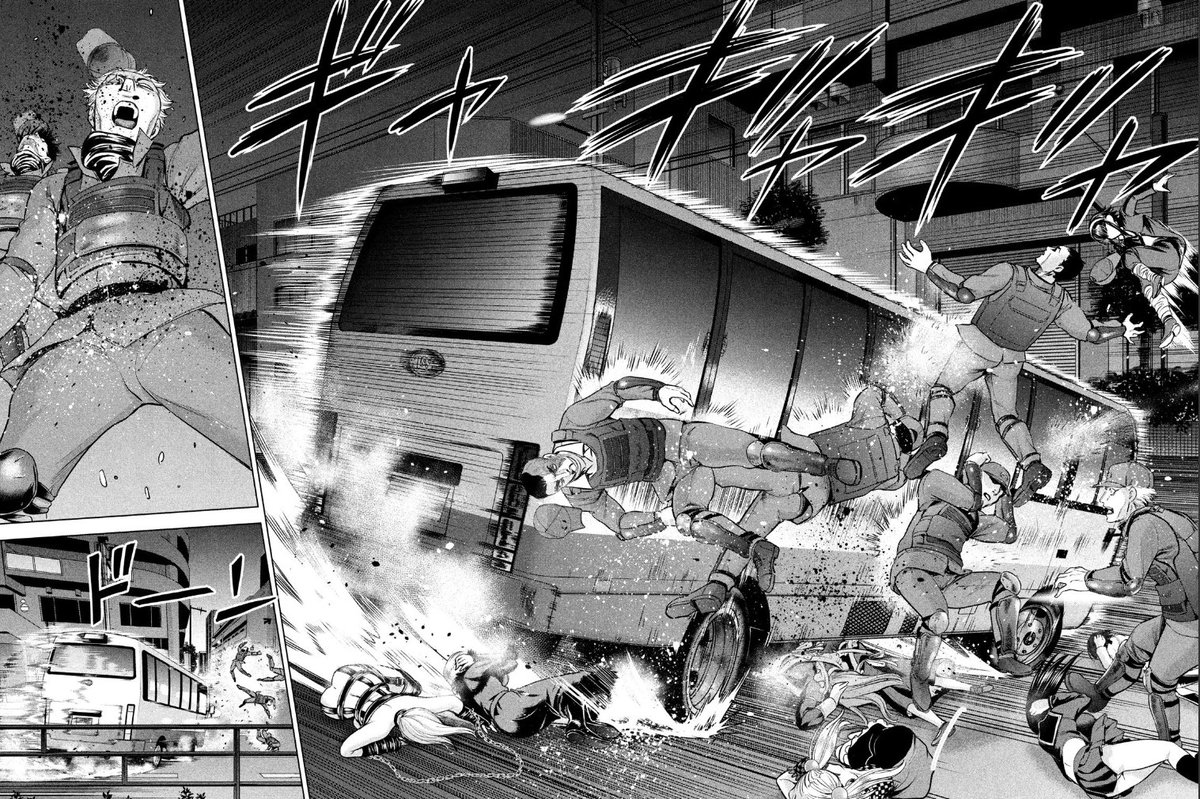 test ツイッターメディア - 突っ込むバスにピンポイントに轢かれる機動隊の方々…飛んで躱すあや、ドーンというコマが彼岸島みたいなシュールさで草。  #サタノファニ https://t.co/4v6pNgbJRW