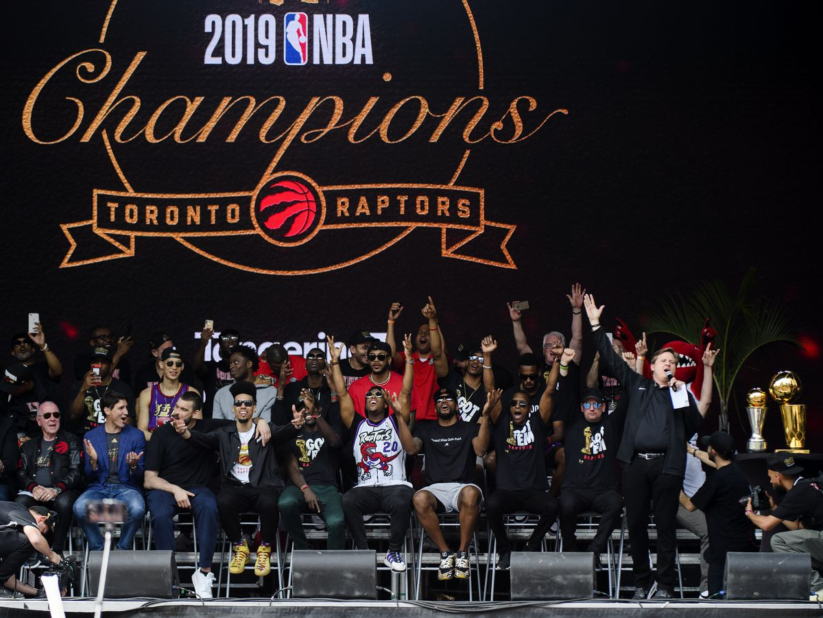 Raptors broadcaster Matt Devlin credited with keeping parade crowd calm after shooting - The Globe and Mail