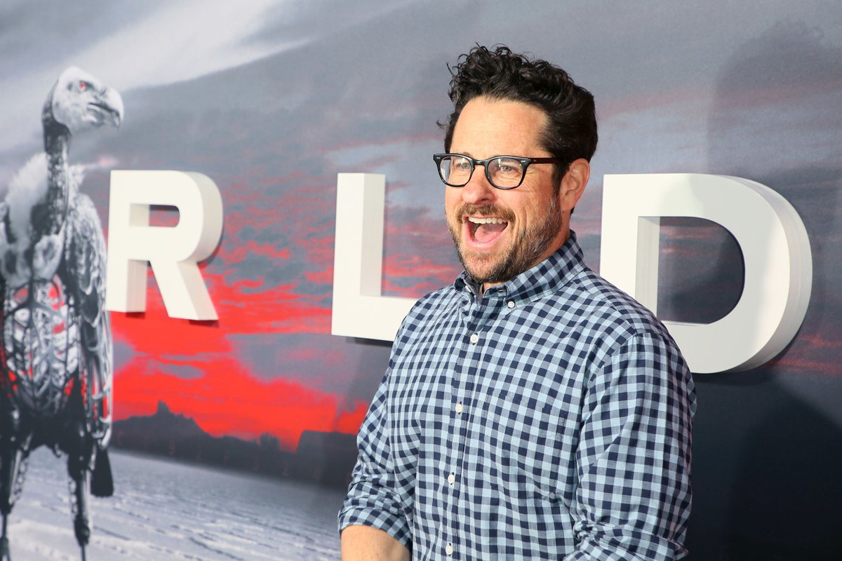 J.J. Abrams' Bad Robot may sign an exclusive deal with AT&T for $500 million - The Verge