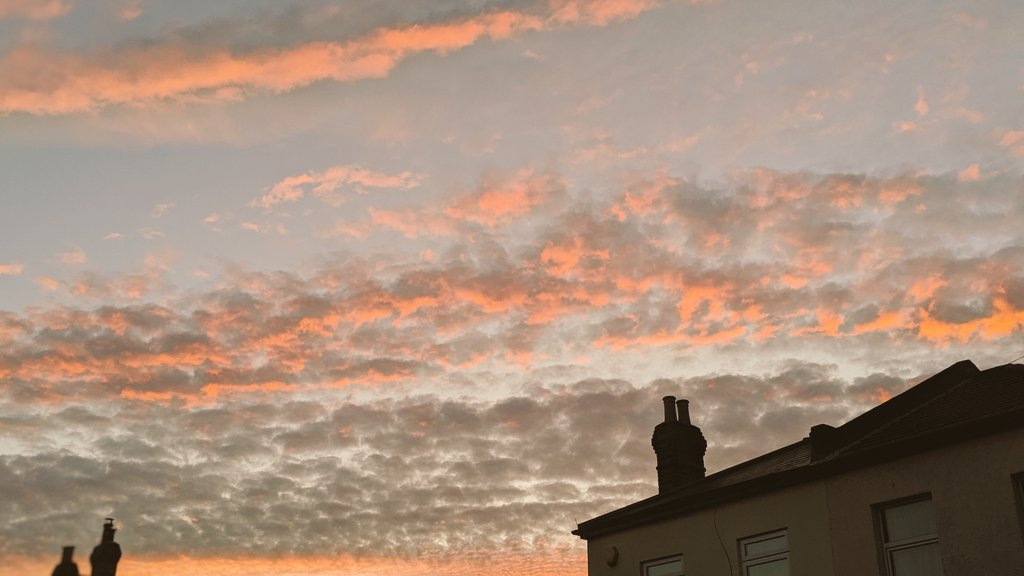 test Twitter Media - Did anyone else realise how beautiful the sky was tonight? https://t.co/qSDES1Xyks