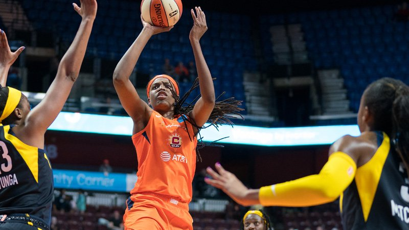 CT Sun's Jonquel Jones Earns Third Straight WNBA Player Of Week Honor | Connecticut Sun | NESN.com