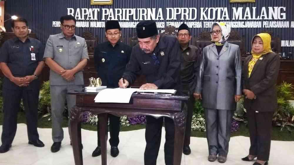 Pemutihan Piutang Pajak, Pemkot - DPRD Kota Malang Sahkan Perubahan Perda - https://t.co/mqPOCFCe5a https://t.co/2PWR0LaNdu