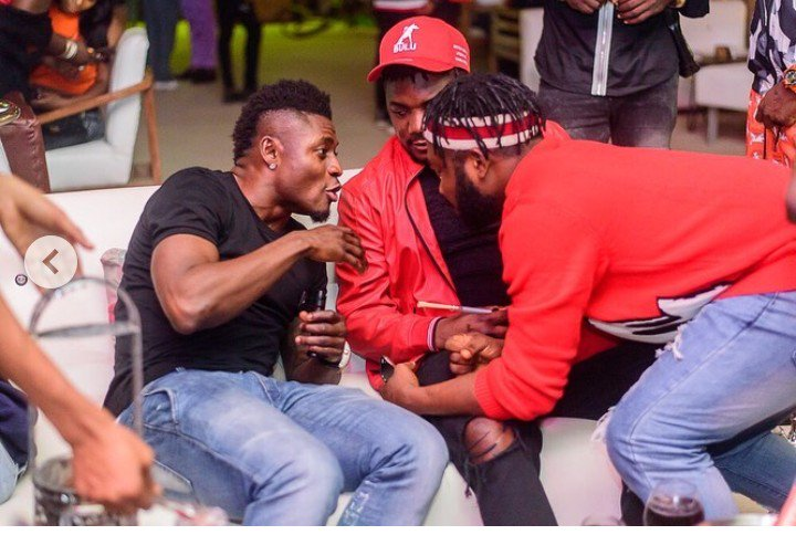 Footballer, Obafemi Martins, CDQ And Slimcase Hangouts Together, Newscastars - https://t.co/cBMb6uegb6 https://t.co/NKWLhNr8Wn
