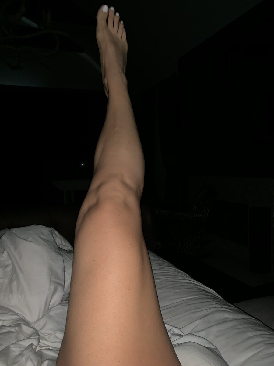 I spy....my ankles!!!! https://t.co/xuMITln1hi