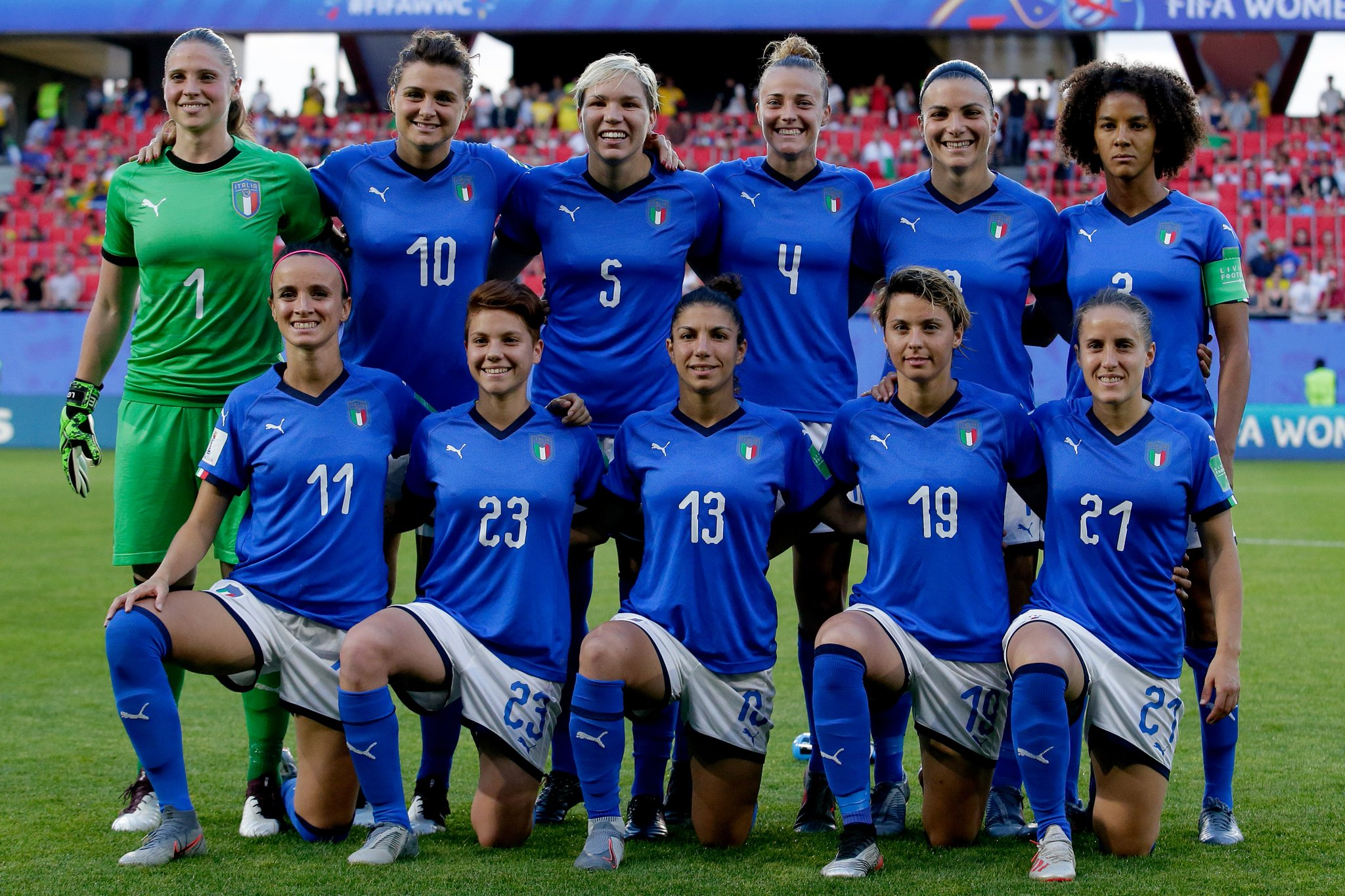 Congratulations to @AzzurreFIGC and our #JuventusWomen playing in the #FIFAWWC on reaching the knockout stages, topping Group C!  🎉🎊 https://t.co/zg16qljOnd