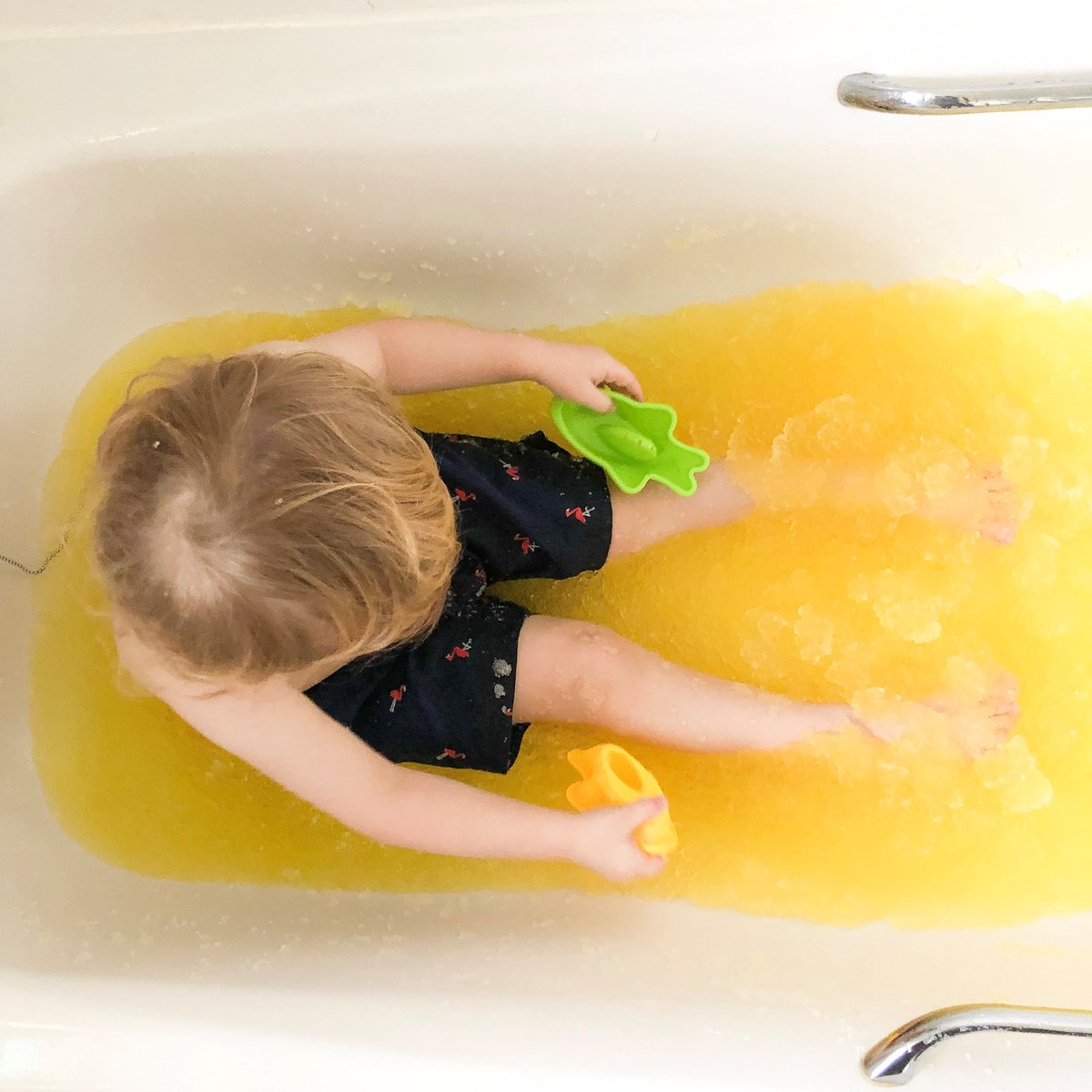 How fun does this bright yellow gelli baff look! This photo has  brightened up our week!😆 #tuesdaytreat https://t.co/FvOdzhAtBf