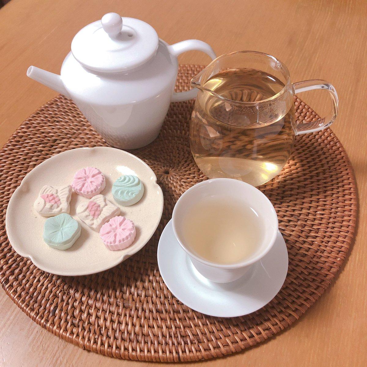 test ツイッターメディア - いただきものの夏の和三盆糖と白茶。すーはーと深呼吸。 https://t.co/7sbkemIyKS