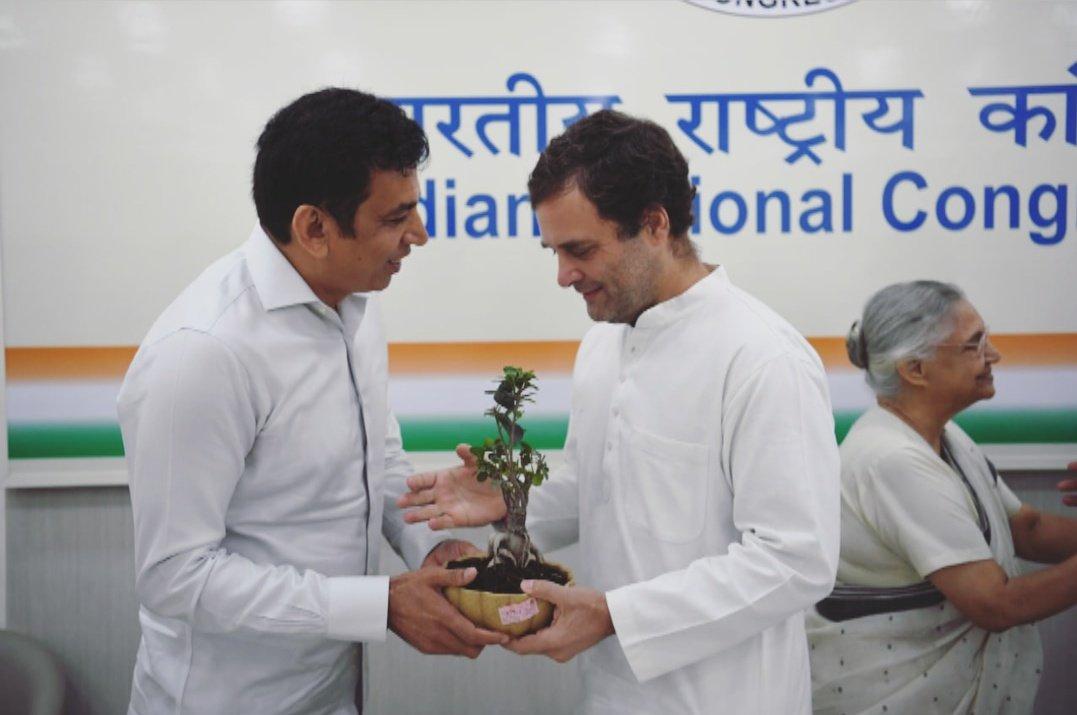 Met and Wished Rahul Gandhi  ji A Very Happy Birthday!!