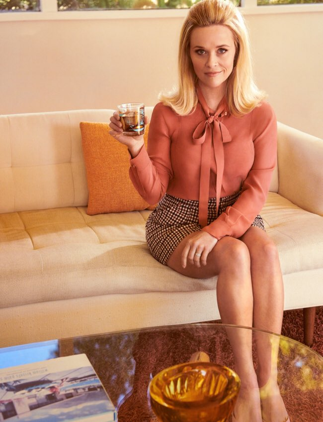 Hey January Jones, how am I doing? Thinking of submitting this image with my #MadMen reboot application. https://t.co/VGbDjNL4HG