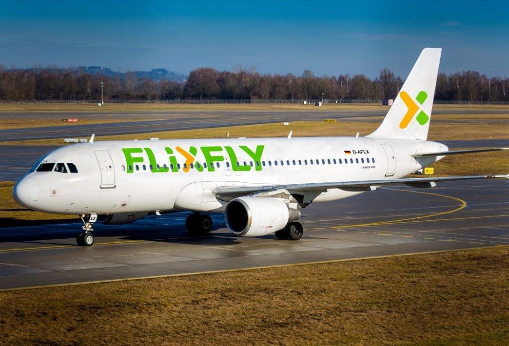 Jetzt geht es los ♡  #Tegel #Flixbus #flugzeug  @FlixBus_DE super Angebot. https://t.co/LNLIkYsEc8