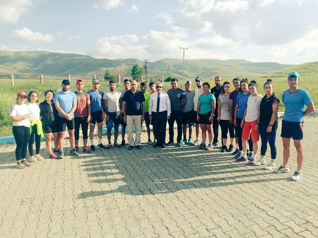 İl Müdürümüz @ftakesenlgl Kandilli Kayak Merkezinde kamp yapan  #Biathlon Milli Takımımızı ziyaret etti. https://t.co/s3i87Qevxc